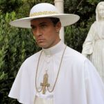 The New Pope, la prima foto ufficiale con Jude Law e John Malkovich