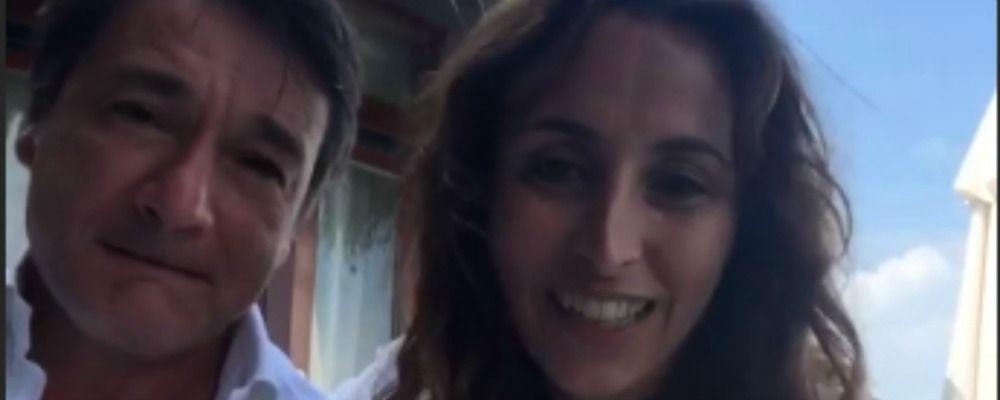 'Vuoi risposarmi?' Benedetta Parodi e Fabio Caressa di nuovo sposi alle Maldive