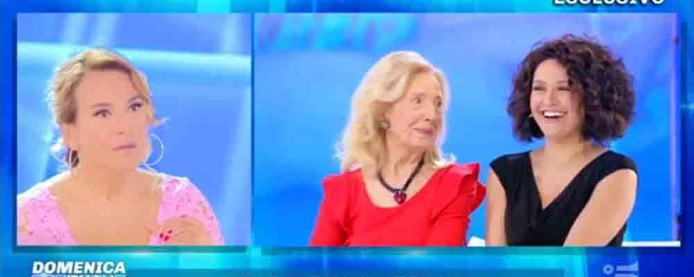 """Barbara D'Urso intervista sua sorella Eleonora: """"Ci eravamo allontanate ci siamo ritrovate"""""""