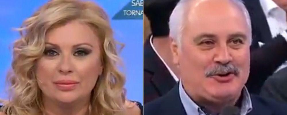 Uomini e donne: il fratello di Tina Cipollari corteggia Angela, ma è uno scherzo