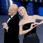 Michelle Hunziker a Sanremo, niente sonno e dedica a Claudio Bisio: 'Ti voglio bene'