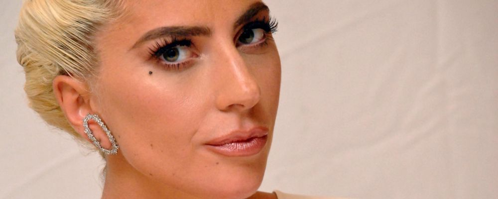Lady Gaga torna single: finito l'amore con Christian Carino