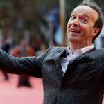 Roberto Benigni, a Rai2 lo speciale costa più di Beppe Grillo (e non sfonda negli ascolti)