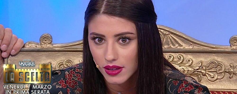 Uomini e donne, Angela Nasti elimina il corteggiatore 'troppo femminile': è polemica