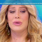 Domenica Live, Paola Caruso in lacrime: si fa avanti la presunta madre biologica