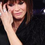 Alessandra Amoroso conferma la fine della storia con Stefano Settepani e sfoggia un nuovo look
