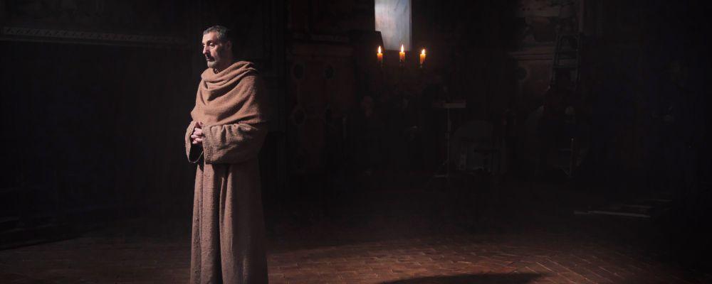Il nome della rosa, anticipazioni trama terza puntata 18 marzo: la solitudine di Guglielmo