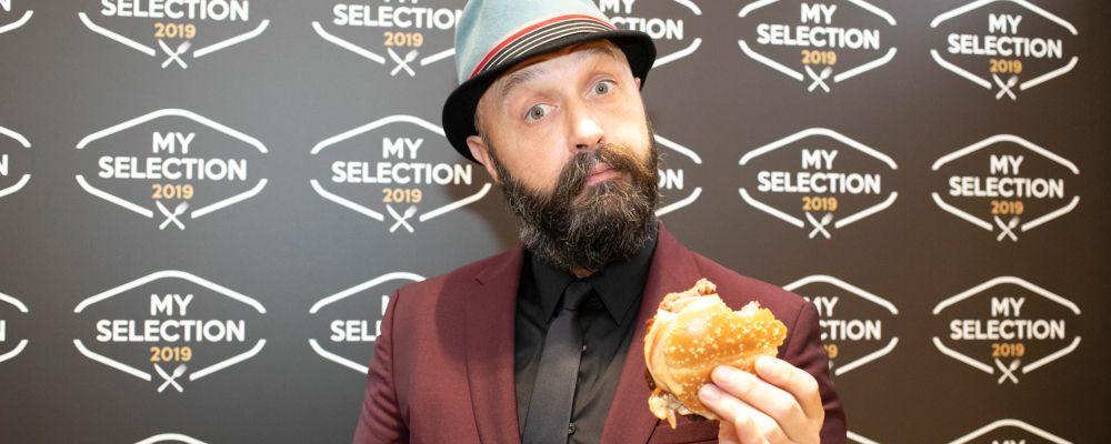 Joe Bastianich ordina piccione arrosto al ristorante e pubblica la foto: è polemica