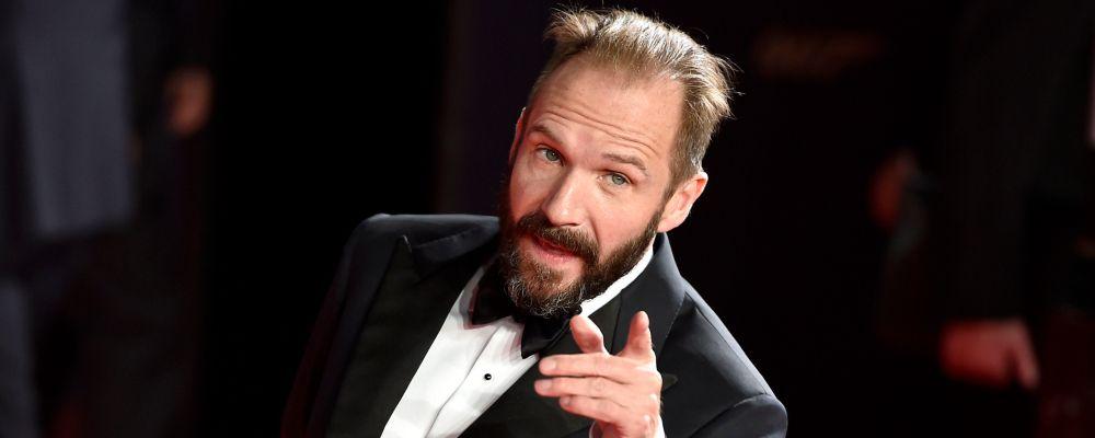 Ralph Fiennes vuole tornare a essere Voldemort: 'C'è Animali fantastici, no?'