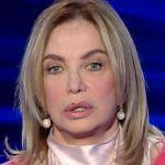 Simona Izzo a Vieni da me: 'Sono bipolare subclinica ma amo da morire la Simona che soffre'