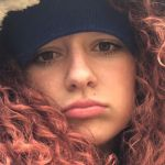 Sophie, la rabbia della figlia di Luke Perry: 'Non piangerò perché lo dice internet'