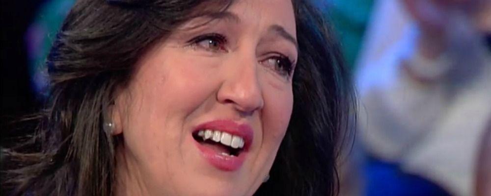 Vieni da me, Emanuela Aureli in lacrime per la dedica del papà dopo la malattia
