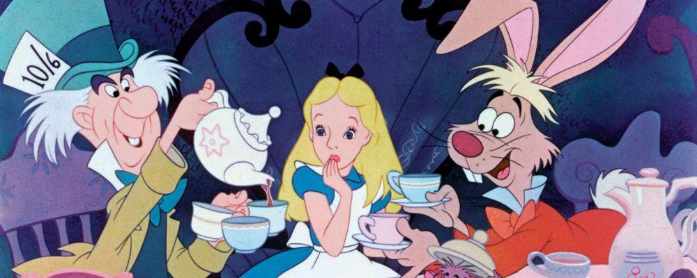 Alice nel Paese delle Meraviglie: trama e cast dello storico film d'animazione Disney