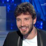 Stefano De Martino a Domenica In con la fede al dito, Mara Venier: 'Prima non c'era'