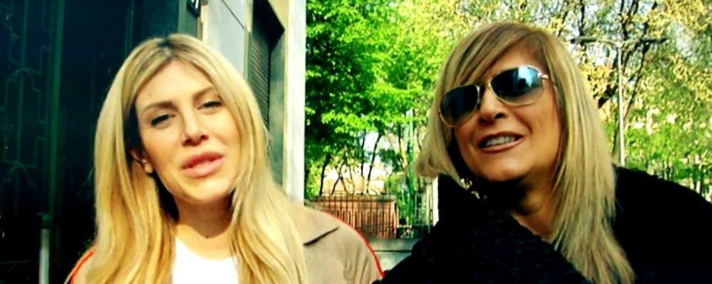 Test del DNA per Paola Caruso e la presunta madre biologica a Live non è la d'Urso