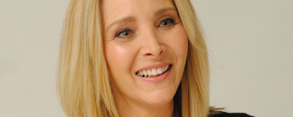 Lisa Kudrow, la Phoebe di Friends, è la star di Good People, nuova sitcom di Amazon