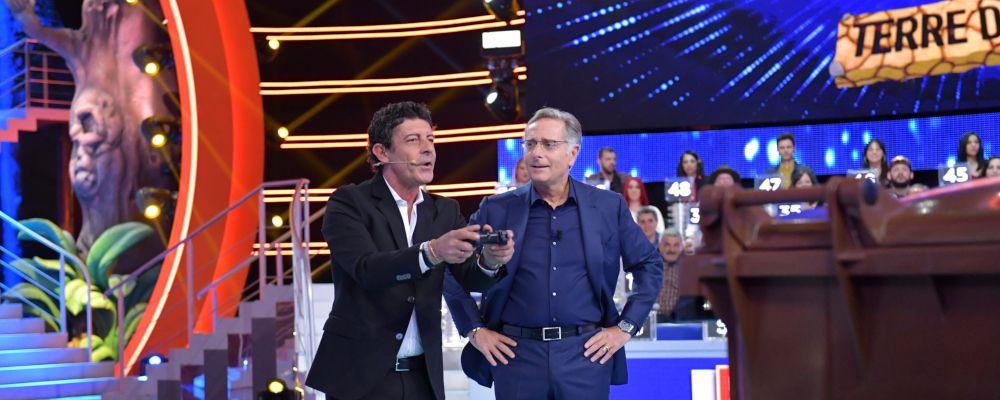 Ciao Darwin 8, anticipazioni nona puntata 17 maggio: Web contro TV