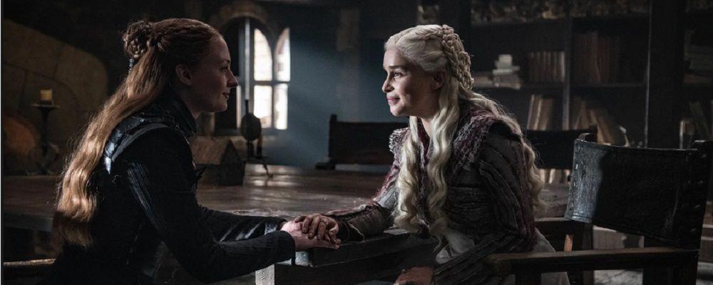 Game of Thrones la fine, Emilia Clarke e Sophie Turner e l'addio a Daenerys e Sansa: 'La nostra guardia è finita'