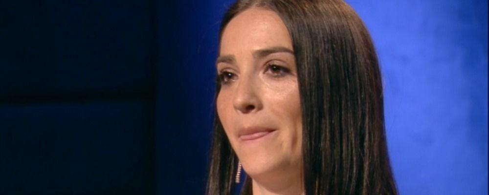Grande Fratello 2019, Serena Rutelli legge la lettera del fratello biologico