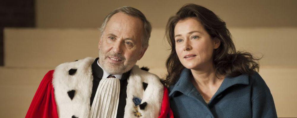 La corte: trama, cast e curiosità dal film d'autore francese premiato a Venezia