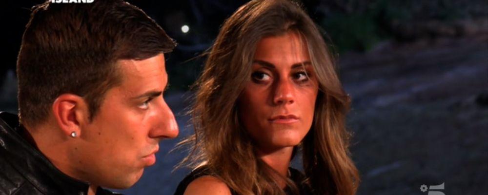 Temptation Island 2019, Massimo rivuole Ilaria ma lei esce da sola dal falò
