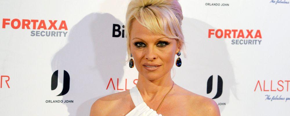 Pamela Anderson accusa Adil Rami di violenza e abusi: 'Sono dovuta andare all'ospedale'