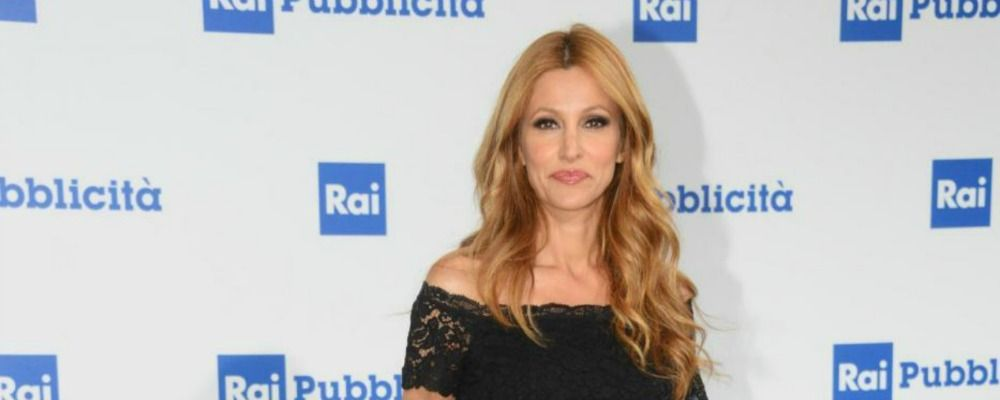 Adriana Volpe: 'Dopo le denunce ho ricevuto una lettera di richiamo dalla Rai'