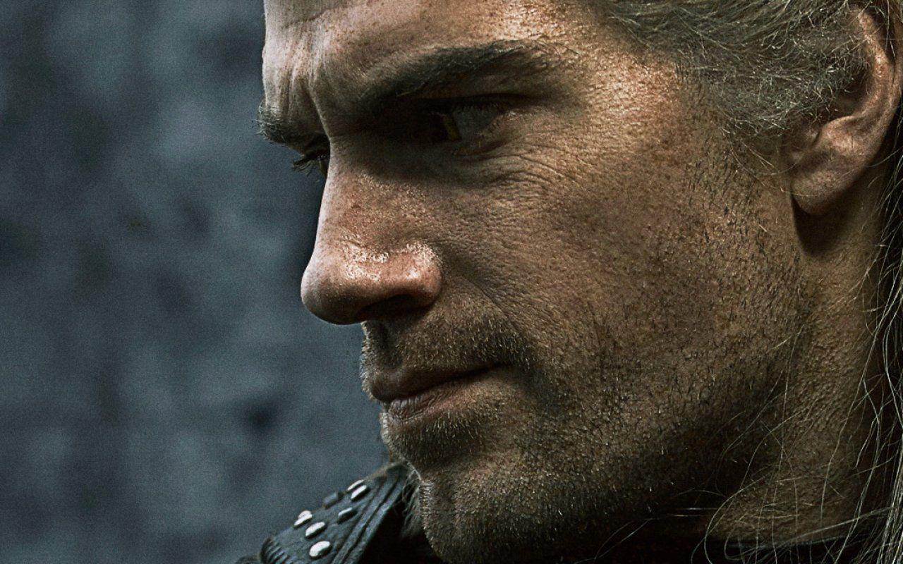 The Witcher, prime immagini della serie con Henry Cavill nei