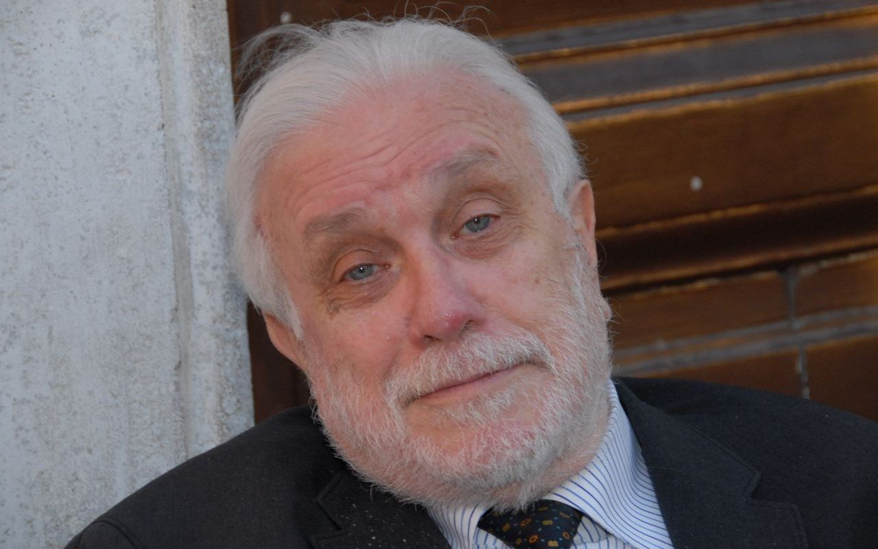 Luciano De Crescenzo è morto, addio all'autore di Così parlò Bellavista