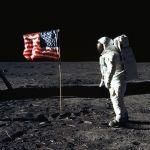 Quella notte sulla Luna, Piero e Alberto Angela ricordano l'allunaggio del 1969