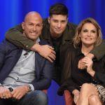 Niccolò Bettarini, il figlio di Simona Ventura debutta in video con Il Collegio Off
