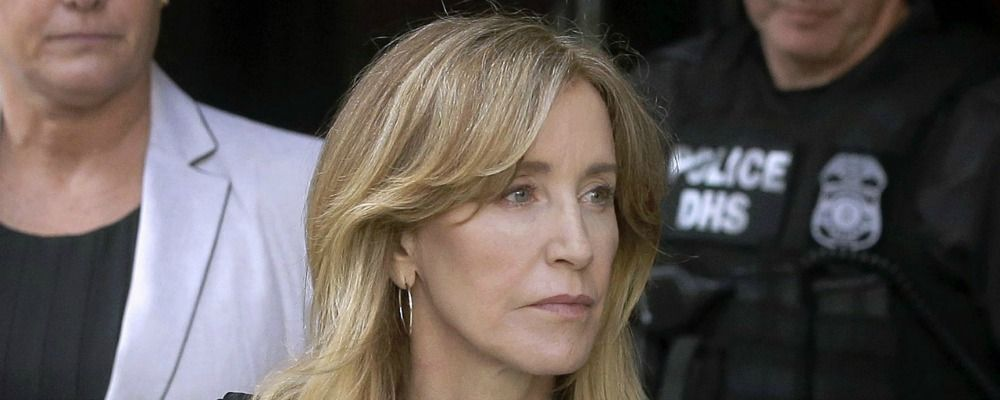 Felicity Huffman, l'attrice di Desperate Housewives in carcere per lo scandalo college