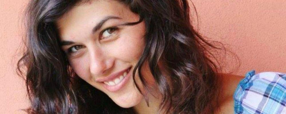 L'attrice Gloria Cuminetti presa a pugni per strada finisce in ospedale
