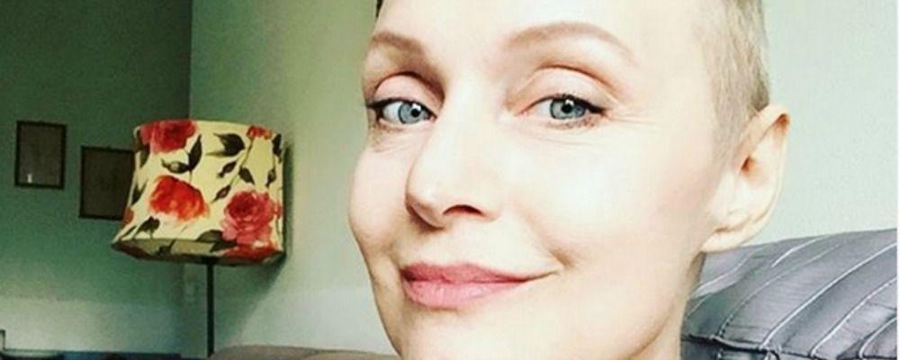 Sabrina Paravicini e il cancro, ricrescono i capelli: 'Bellissimo accarezzarli'
