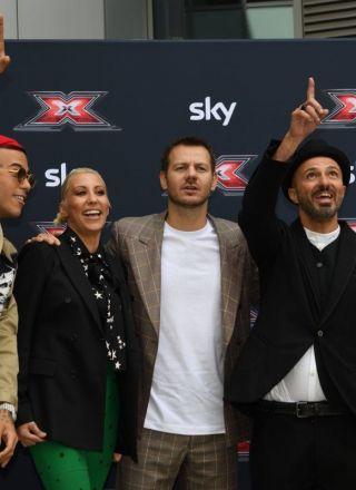 X Factor 2019, le foto dei giudici: Sfera Ebbasta, Mara Maionchi, Samuel e Malika Ayane