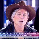 Live, Barbara D'Urso ospita Mickey Rourke, tra lacrime e insulti