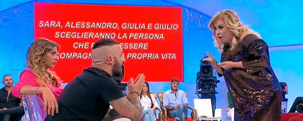 Uomini e donne, lite furiosa tra Tina Cipollari e Damiano Er Faina: 'Te la faccio pagare'
