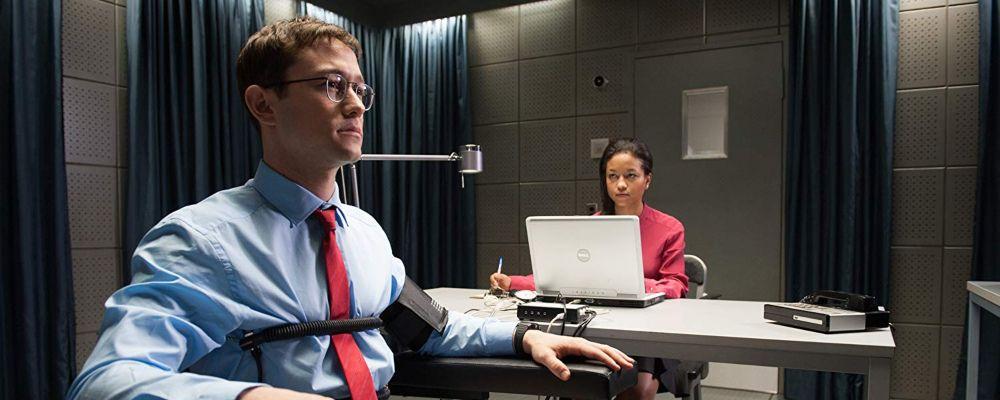 Snowden: trama, cast e curiosità del film con Joseph Gordon-Levitt e Nicolas Cage