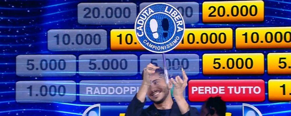 Nicolò Scalfi torna a Caduta libera e vince il torneo dei campioni