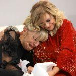 Uomini e donne trono over, Gemma Galgani piantata da Juan Luis piange tra le braccia di Tina Cipollari