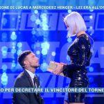 Lucas Peracchi e la proposta a Mercedesz Henger, ma al posto dell'anello c'è un mattone