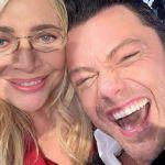 Mara Venier, su Instagram il commento omofobo dopo l'ospitata di Tiziano Ferro: sì agli omosessuali in tv, ma non a Natale
