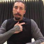 Vittorio Brumotti, l'inviato di Striscia la notizia aggredito a Monza: 'Ringrazio il giubbotto antiproiettile'