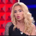 """CR4, Valeria Marini commenta l'incontro con Rita Rusic e gli insulti: """"Una farsa, non sono un mostro"""""""