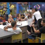 Grande Fratello Vip 2019, Adriana Volpe bacia Pago e il marito si arrabbia 'Grande Bordello'