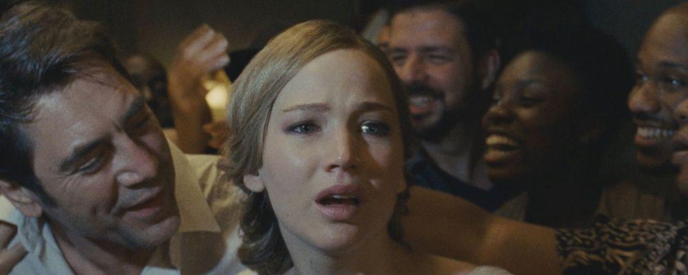 Madre!: trama, cast e curiosità del film con Jennifer Lawrence