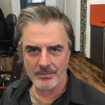 Chris Noth, Mr Big di Sex and the City papà a 65 anni