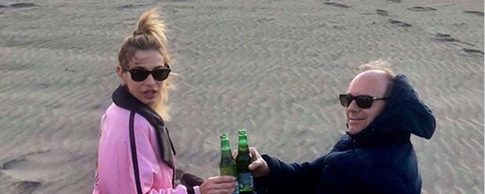 """GFVip, Clizia Incorvaia a Fregene con la birretta: """"Paolo Ciavarro ti aspetto qui"""""""