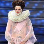 Sanremo 2020: Achille Lauro è Elisabetta I per il gran finale