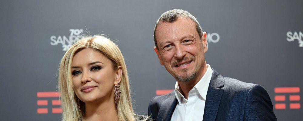 Sanremo 2020, dimenticano il microfono acceso: scontro nel backstage tra Alketa e Amadeus